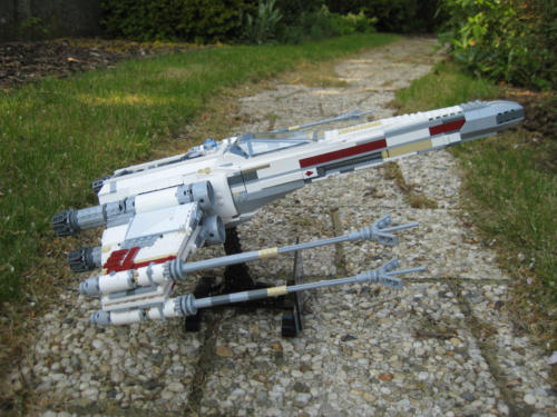 10240 - Red Five X-wing Starfighter - UCS