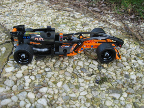 42026 - Black Champion Racer