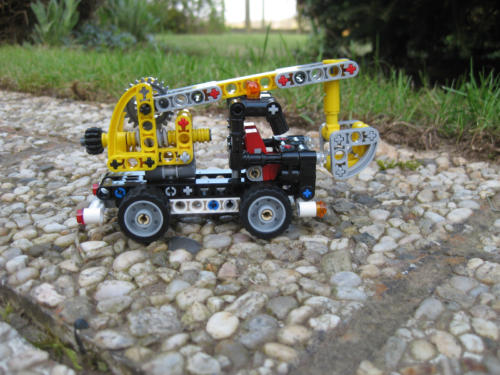 42031 - Cherry Picker