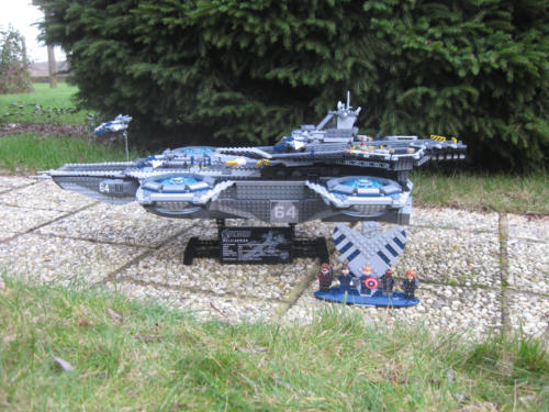76042 - The SHIELD Helicarrier